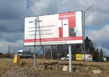 tablica-reklamowa-z-banerem-reklamowym-bielsko-biala